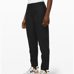Lululenmon High Rise Essential Trousers